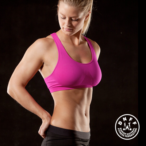 Heidi Hansen - DNFF Atlet 2014. Hun stiller op i Natural Power Fitness Konkurrence